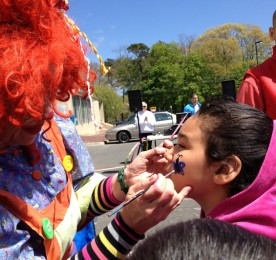 Cinco de Mayo 2013-clown at work
